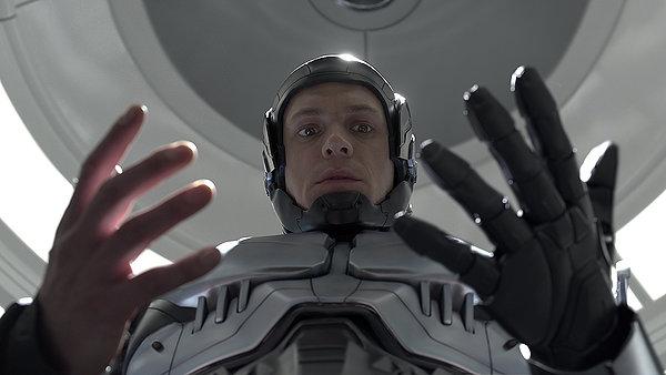RoboCop, RoboCop 2014, Jason King, Salty Popcorn, Movie Review, Joel Kinnaman, Gary Oldman, Samuel L. Jackson, Hugh Laurie, Abbie Cornish, Michael Keaton, Jay Baruchel