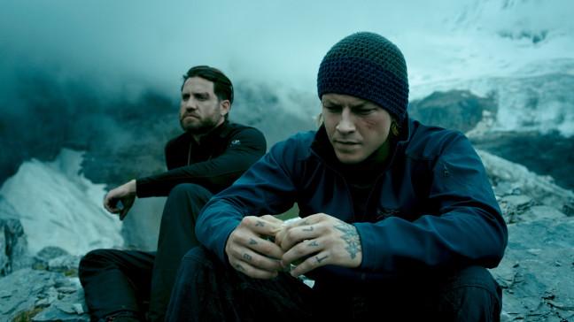 Point Break Johnny Utah (Luke Bracey) and Bodhi (Edgar Ramirez) Image