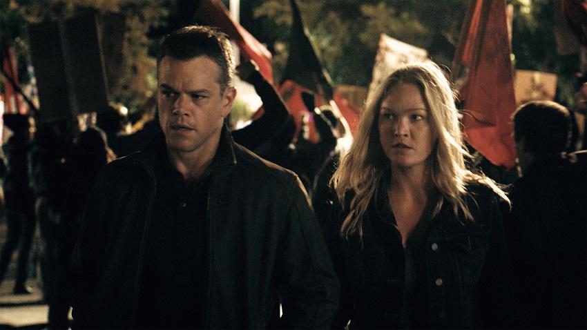 Matt Damon as Jason Bourne and Julia Stlyes ad Nicky Parsons image