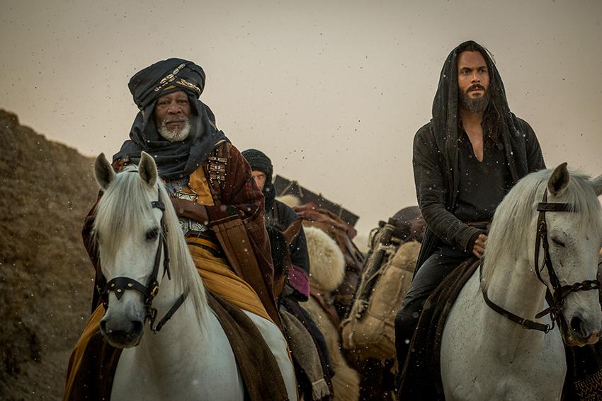 Morgan Freeman as Ilderim and Jack Huston as Judah Ben-Hur image