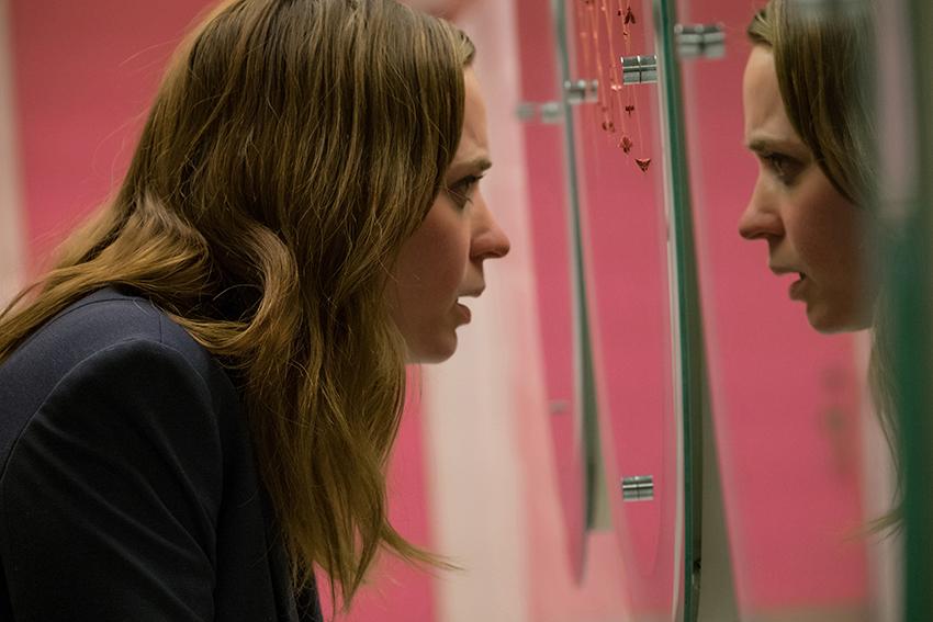 The Girl on the Train Rachel Watson (Emma Blunt) image