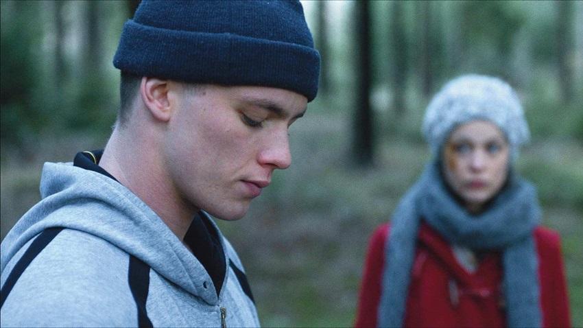 4 Könige Alex (Paula Beer) and Timo (Jannis Niewöhner) image