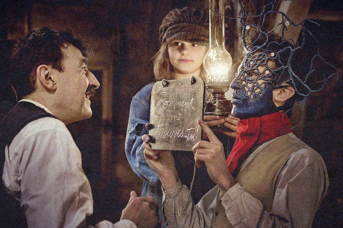 AU REVOIR LÀ-HAUT Movie image