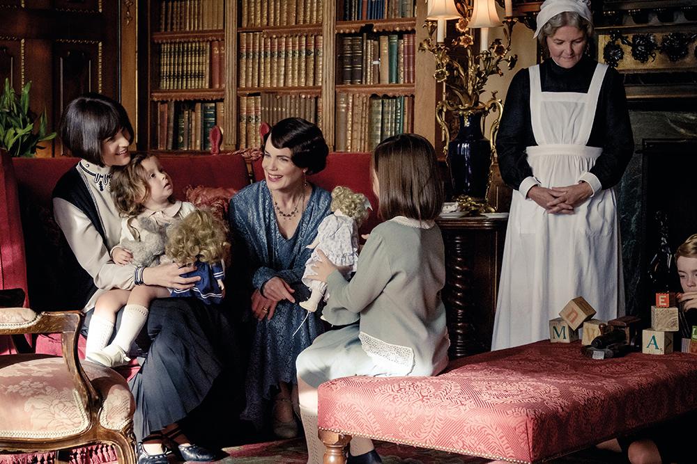 Downton Abbey Michelle Dockery and Elizabeth McGovern image